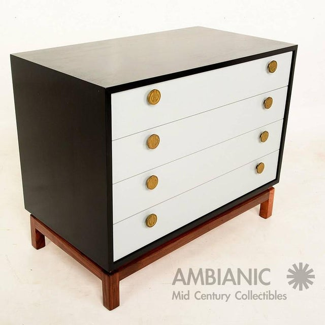 Mid-Century Modern Mid-Century Modern Cal Mode Dresser For Sale - Image 3 of 9
