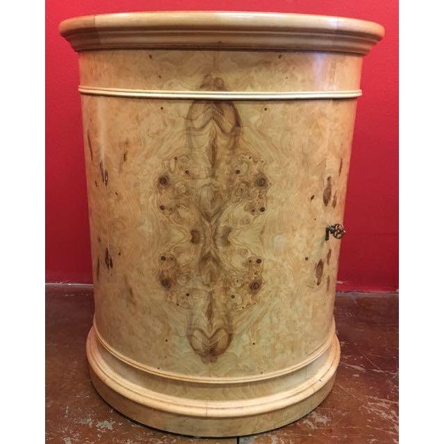 Henredon 1980s Transitional Henredon Olive Burl Drum Table For Sale - Image 4 of 11
