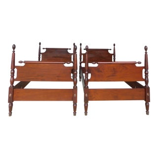 Biggs Chippendale Style Mahogany Pineapple Poster Twin Beds - a Pair For Sale