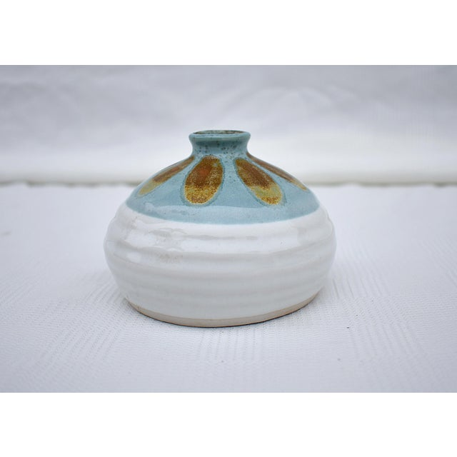 White and blue glazed floral design small porcelain vase. Made in the 1970s in the style of American Classical