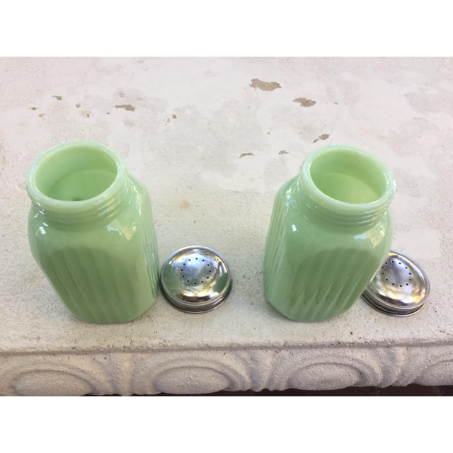 Art Deco Jadeite Salt and Pepper Shaker Set - Image 7 of 10