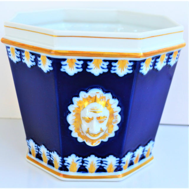 Blue Vintage Mottahedeh Cobalt & White Neoclassical Cachpot For Sale - Image 8 of 12