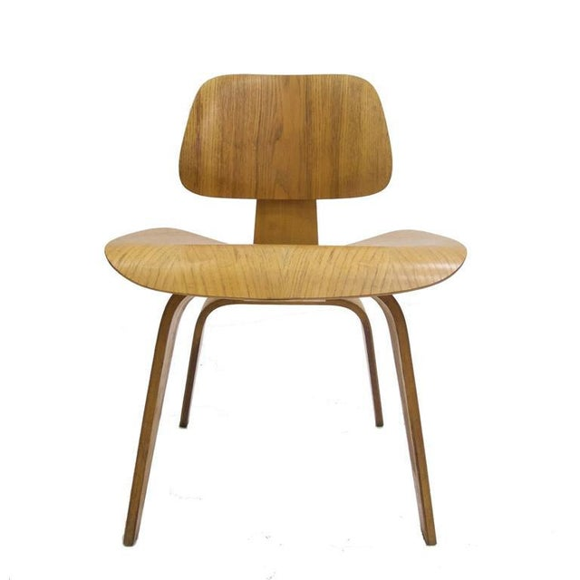"""Herman Miller Charles and Ray Eames for Herman Miller Dcw """"Dining Chair Wood"""" in Oak For Sale - Image 4 of 10"""