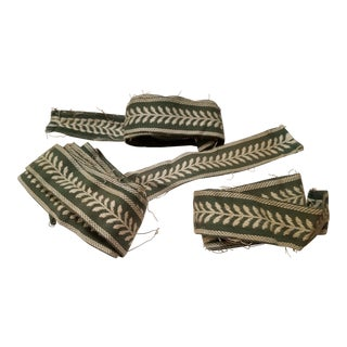 1930s-1940s Green and White Classic Gimp Border Trim - 4 Pieces For Sale