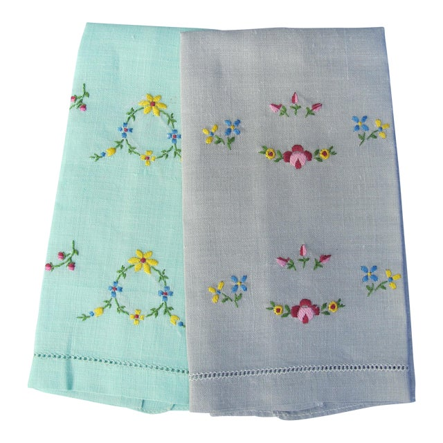 Floral Hand Embroidered Linen Guest Hand Towels - a Pair For Sale