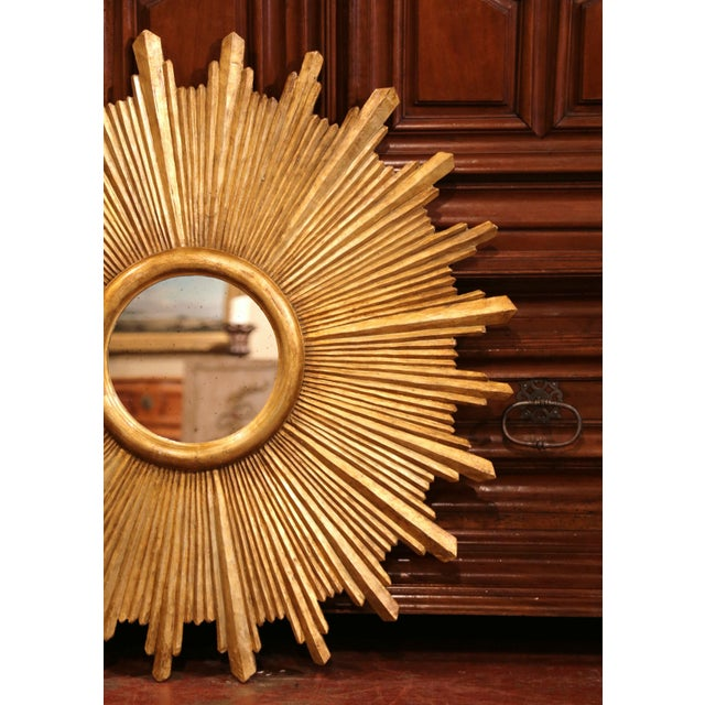 Large Pair of Italian Carved Giltwood Sunburst Mirrors For Sale In Dallas - Image 6 of 11