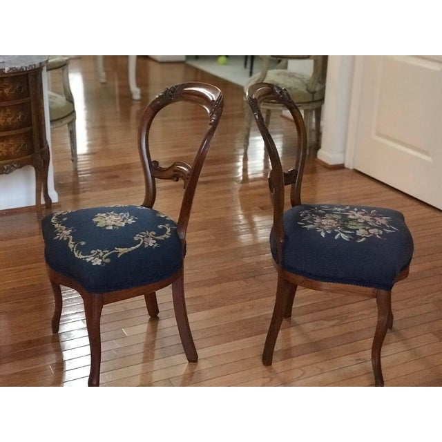 Traditional 1900s Vintage Carved Mahogany Balloon Back Chairs- A Pair For Sale - Image 3 of 10