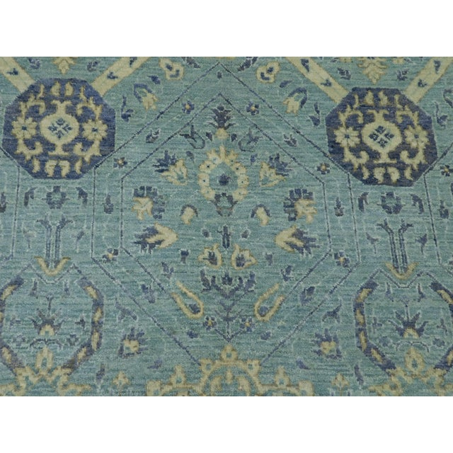 """Farahan Hand-Knotte Rug - 8'2"""" Round. For Sale - Image 9 of 10"""