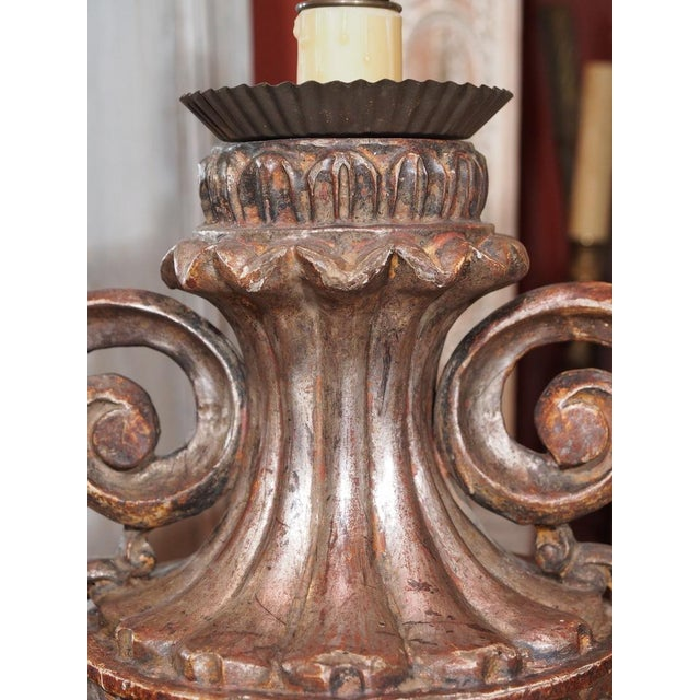 Early 20th Century Pair of Vintage Italian Silver Leaf Carved Wood Lamps For Sale - Image 5 of 7