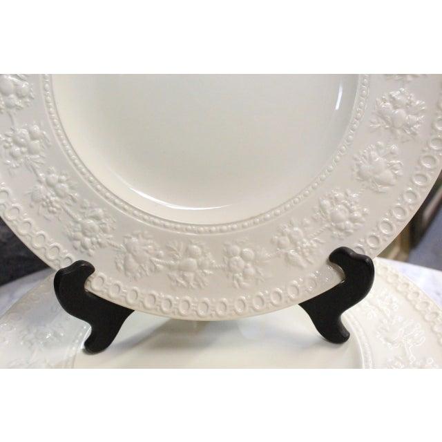 Wedgwood Vintage Wedgwood Dinner Plates - Set of 8 For Sale - Image 4 of 6