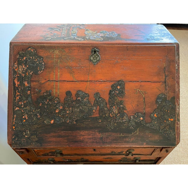 Late 18th Century Queen Anne Style Chinoiserie Secretary Desk For Sale In New York - Image 6 of 6