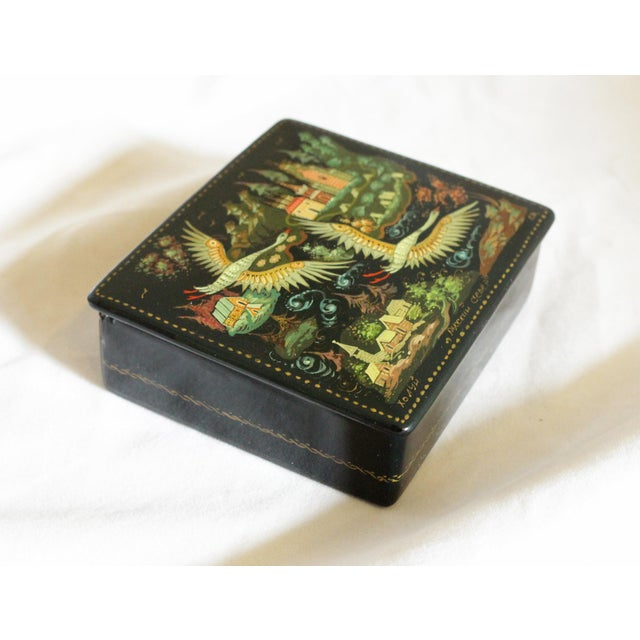 Folk Art Russian Lacquer Box With Bird Scene For Sale - Image 3 of 5