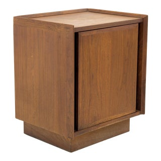 Mid Century Modern Dillingham Nightstand For Sale