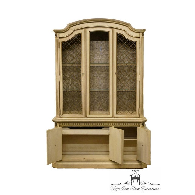 "Stanley Furniture French Provincial 52"" Antique White China Cabinet For Sale In Kansas City - Image 6 of 13"