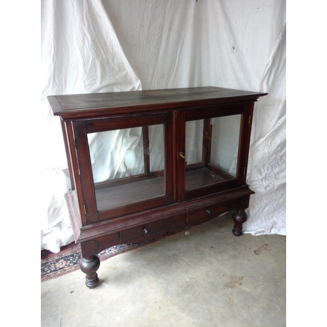 1930s Traditional Plantation Rosewood Glass Display Cabinet For Sale - Image 9 of 9