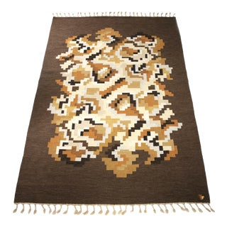 "Swedish Flat Weave Rug ""Korall"" Designed and Signed by Erik Lundberg För Vävaregården - 6′7″ × 9′11″ For Sale"