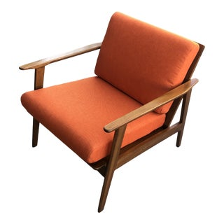 Mid-Century Modern Curated Walnut Lounge Chair With New Orange Cushions For Sale