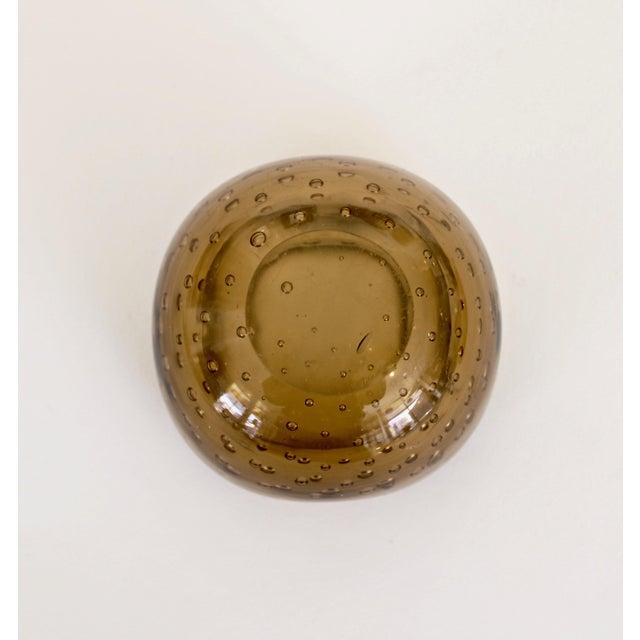 Amber 1950s Carlo Scarpa for Venini Murano Bulicante Small Bowl Amber Glass For Sale - Image 8 of 10
