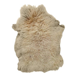 Natural Angora Plush Sheepskin Accent Rug - 2′5″ × 3′ For Sale