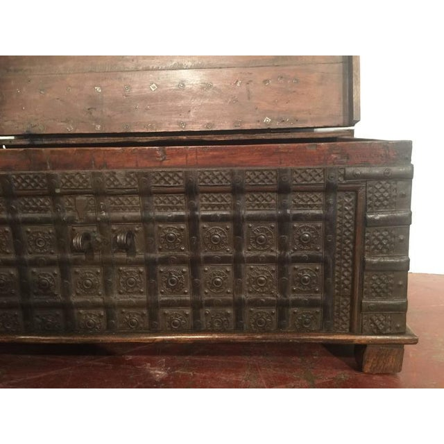 English Carved Chestnut Trunk Coffee Table - Image 5 of 9
