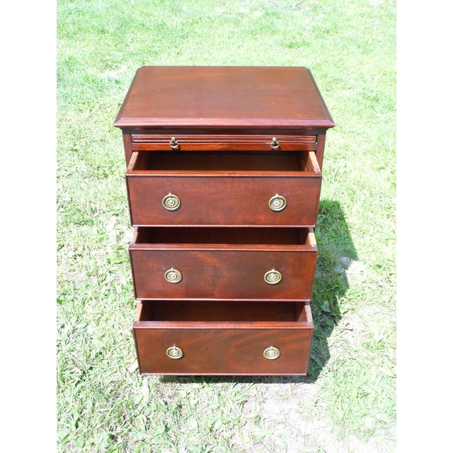 Antique Robert Treate Hogg Custom Solid Mahogany Chest of Drawers Petite Dresser - Image 8 of 11