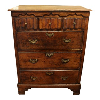 Early 18th Century English Oak Chest of Drawers For Sale