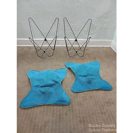 Mid Century Modern Pair of Folding Iron & Canvas Butterfly Chairs For Sale - Image 4 of 13
