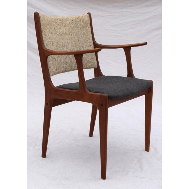 Teak Danish Modern Dining Chairs by Johannes Andersen- Set of 6 For Sale - Image 7 of 11