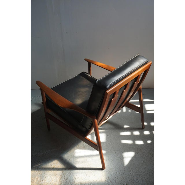 1960s Danish Modern Kofod Larsen for Selig Walnut Lounge Chair For Sale - Image 6 of 8