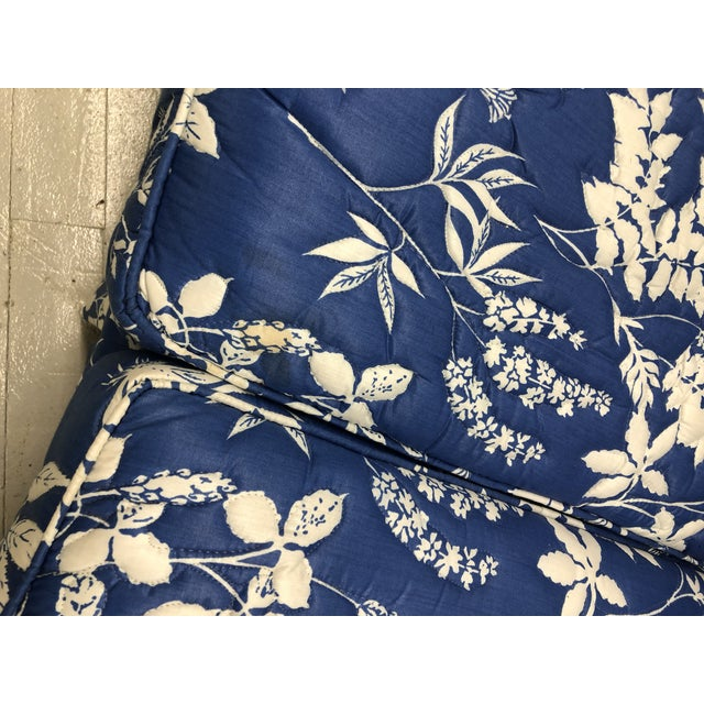 Blue 1970s Ethan Allen Hollywood Regency Chinoiserie Blue & White Floral Crescent Loveseat Sofa For Sale - Image 8 of 13