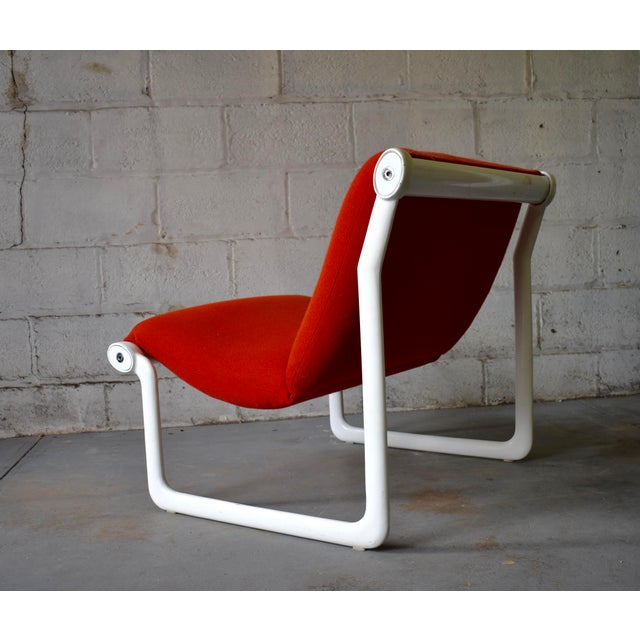 Vintage Mid Century Modern Sling lounge chair designed by Bruce Hannah and Andrew Morrison for Knoll in 1971. The chair...