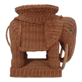 Vintage Italian Wicker Elephant Side Table Garden Stool Palm Beach For Sale