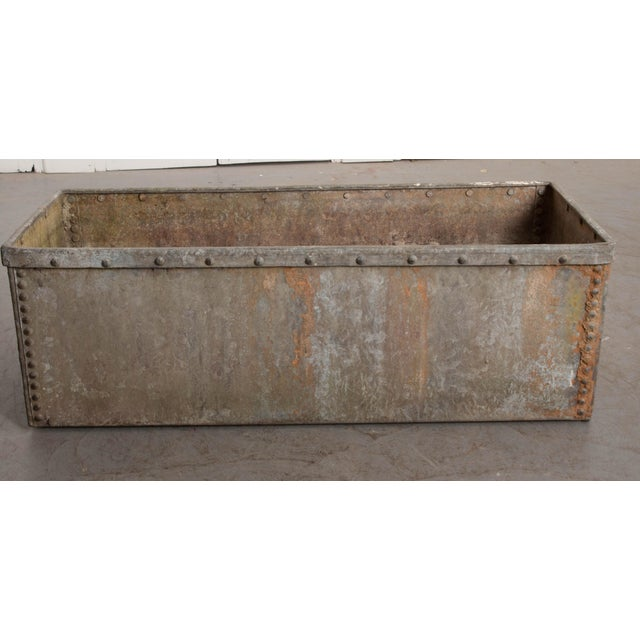 Make a big splash in your garden or outdoor space with this commanding zinc trough from 19th century England. This long...