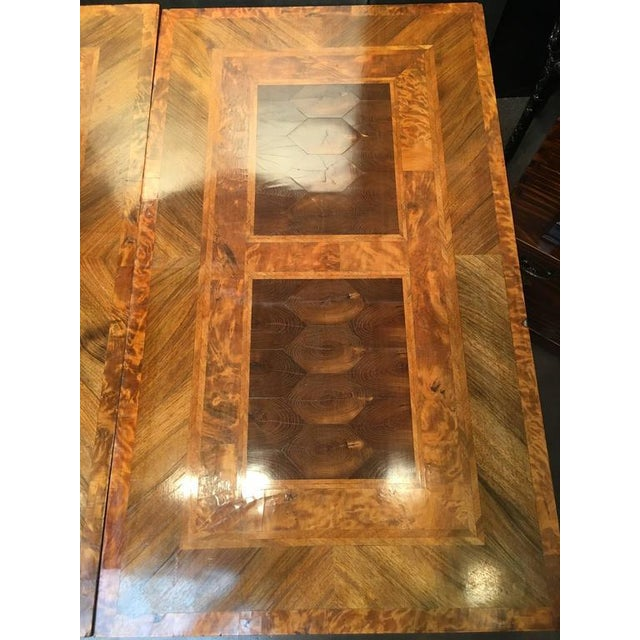 Late 18th Century English George III Marquetry Extendable Dining Table For Sale - Image 5 of 10