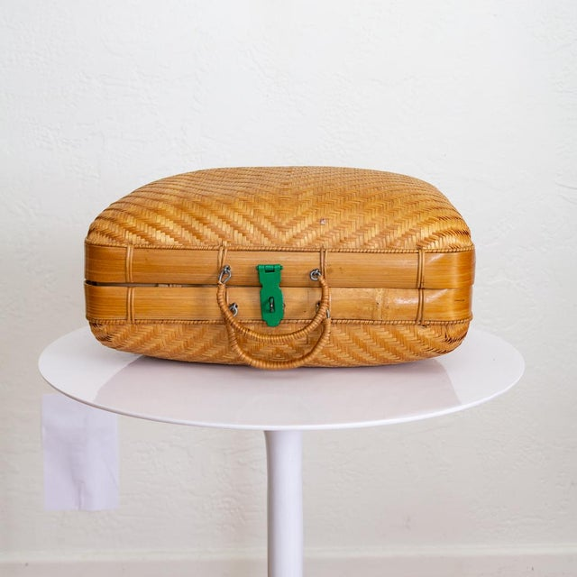 Japanese Bamboo Suitcase Basket Decorative Storage | Mao Period For Sale - Image 4 of 10