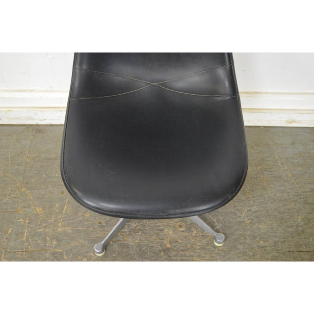 Herman Miller Set of 4 Mid Century Modern Eames PSC Chairs - Image 9 of 13