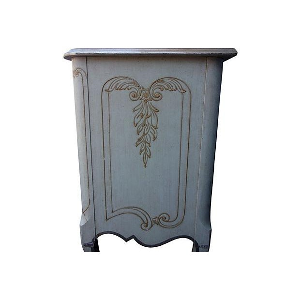 John Widdicomb French Style 9-Drawer Dresser For Sale In Miami - Image 6 of 7
