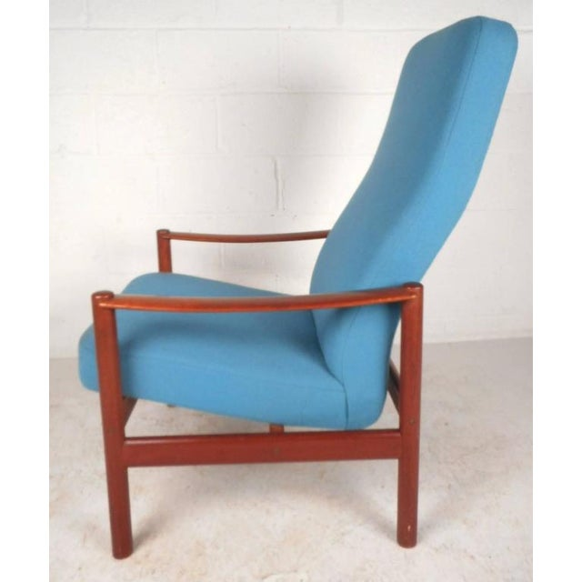 Mid-Century Modern Lounge Chair and Ottoman by Westnofa - Image 6 of 11
