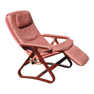 1960s Mid Century Modern Plycraft Zero Gravity Light Pink Vinyl Lounge Chair