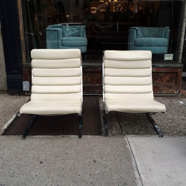 Mid-Century Modern 1970s Vintage Design Institute of America Chrome Cantilever Lounge Chairs- A Pair For Sale - Image 3 of 10