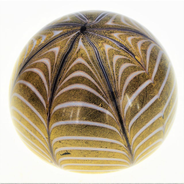 1950s Murano Glass Gold White and Black Fenicio Paperweight - Italy Mid Century Modern Minimalist Palm Beach Boho Chic Italian Venetian Sommerso For Sale - Image 13 of 13
