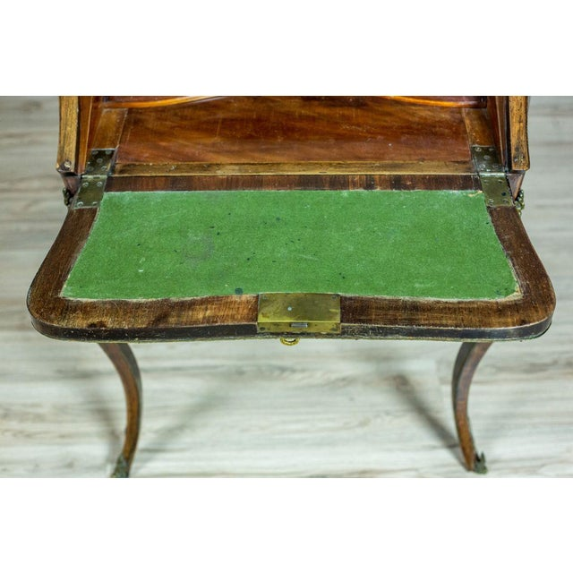 Louis XV Ladies Writing Desk from the 18th Century For Sale - Image 6 of 13