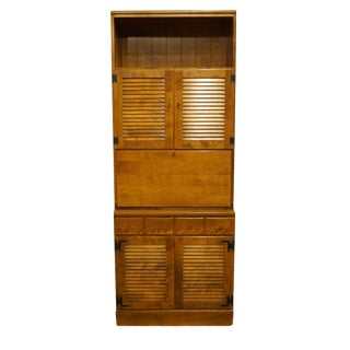"20th Century Early American Ethan Allen Heirloom Nutmeg Maple 30"" Crp Shutter Door Cabinet With Bar/Liquor Cabinet Top For Sale"