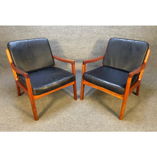 """Mid-Century Modern Pair of Vintage Danish Mid Century Modern Teak and Leather """"Senator"""" Lounge Chairs by Ole Wanscher For Sale - Image 3 of 12"""