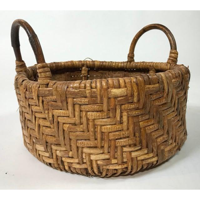 Wicker Early 20th Century Woven Wicker Basket For Sale - Image 7 of 7