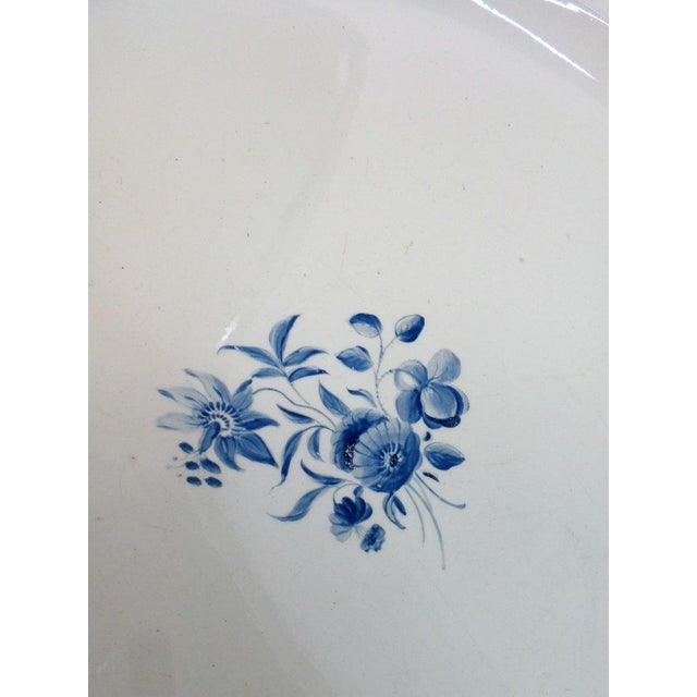 White Large Wedgewood Serving Platter For Sale - Image 8 of 10