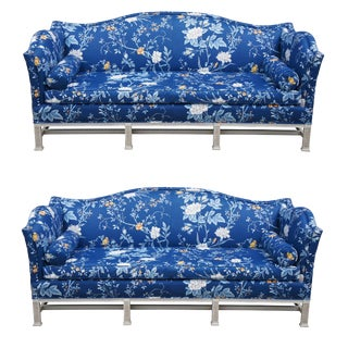 1960s Vintage Erwin-Lambeth Chinese Chippendale Blue Floral Camelback Sofa For Sale
