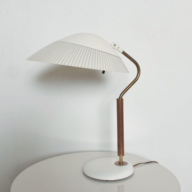 Modern Mid-Century Clamshell Table Desk Lamp by Gerald Thurston for Lightolier 1950s For Sale - Image 9 of 9