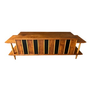 Mid-Century Modern Lane Cedar Chest and Attached Side Tables For Sale