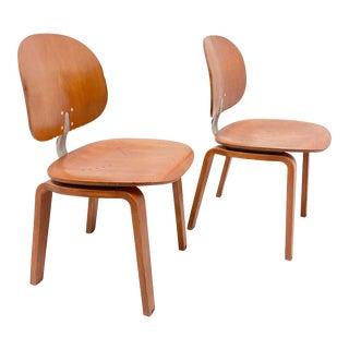 Giancarlo Piretti Xylon Chairs for Krueger International - a Pair For Sale